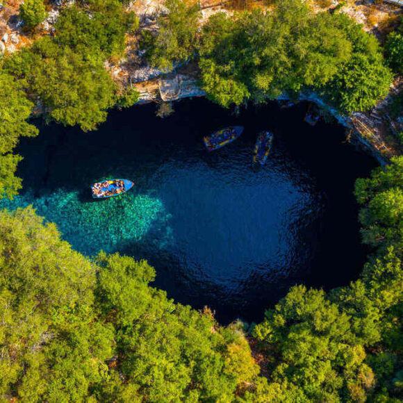 Zakynthos şi Kefalonia, insulele mult iubite de turiști
