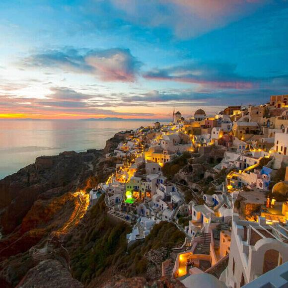 8 lucruri extraordinare de făcut în Santorini
