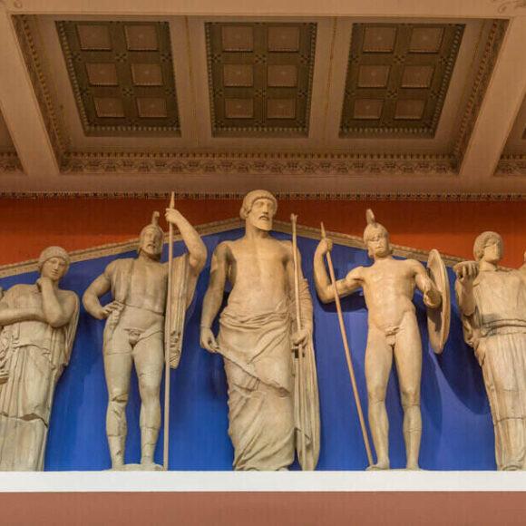 Zeități grecești și zeități romane